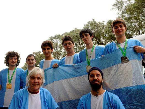 Excelentes resultados del equipo argentino en la 58ª Olimpíada Internacional de Matemática
