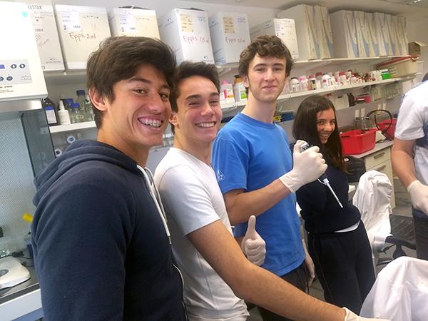 Visita al IBioBa con trabajo de laboratorio